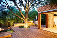 Breathtaking Naroon Modern Backyard for Unlimited Outdoor Fun and Relaxation