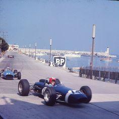 https://flic.kr/p/rjLFuZ | 1966, Grand Prix de Monaco | Circuit de Monaco Monte Carlo 14 Jo Siffert, Brabham-BRM 21 Guy Ligier, Cooper-Maserati