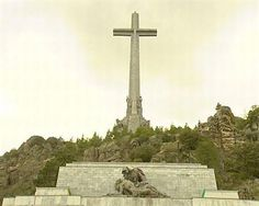 Demandan a España ante Estrasburgo por no exhumar los restos de dos fusilados del Valle de los Caídos
