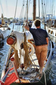 bonparisien: Yearning     Back to sailing --