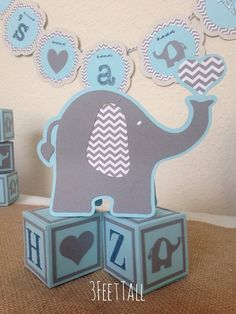 Elephant baby shower centerpieces table decorations by Fiesta Baby Shower, Baby Shower Fun, Baby Shower Cakes, Baby Shower Parties, Baby Shower Themes, Elephant Party, Elephant Theme, Elephant Baby Showers, Fotos Baby Shower