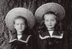 2 oldest daughters of Tsar Nicholas II Romanov (1868-1918) Russia & his wife Alix-Alexandra Feodorovna (1872-1918) Hesse, Germany: Grand Duchesses Olga Nikolaevna (15 Nov 1895-17 Jul 1918) & Tatiana Nikolaevna (10 Jun 1897-17 Jul 1918).
