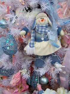 Christmas decorating with blue colors