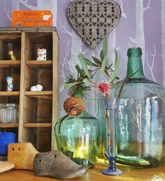 #7vignettes day 4 and a favourite thing to faff! My little #shelfie @interiorsaddict @brownpaperlemon #recycledfinds