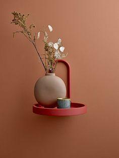 MDF orange rundes Regal mit Bloomingville cm Metallgriff rnrnSource by Decoration Design, Deco Design, Round Shelf, Cadeau Design, Ceramic Vase, Colorful Pictures, Home Gifts, Terracotta, Color Inspiration