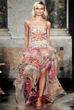 Emilio Pucci Spring 2012 at Milan Fashion Week. Notice the second geometric print lining!