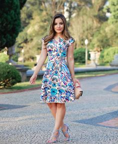 Summer Dress Outfits, Summer Outfits Women, Casual Dresses, Short Sleeve Dresses, Dresses For Work, Ankara Gown Styles, Floral Skater Dress, Fashion Forever, Frock Design