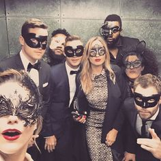 Ideas for masquerade party outfit men Mascarade Outfit, Masquerade Party Outfit, Masquerade Wedding, Masquerade Men, Nye Party, Halloween Party, Halloween Costumes, Sophia Bush, Mask Party