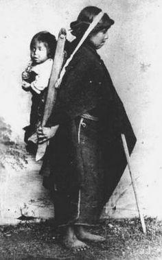 Mapuche y niño Año 1890