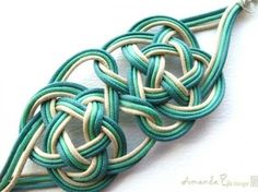 Teal knot