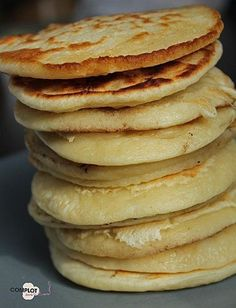 Pancakes Express by Jamie Oliver - Between laughter and cooking - Easy, fast and excellent recipe :-] My guys have http: //adoré…. Brunch, Jamie Oliver Pancakes, Cooking Time, Cooking Recipes, Food Porn, Good Food, Yummy Food, Crepes, Naan