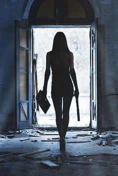 Should I be scared that I love this pic??? The killer heels (no pun), the outfit, how cool she is,  and that big behind gun!! Pret A Tout, Mafia, Wattpad, Eminem, Bad Boys, Roman, Gangsta Girl, Adolescents, Fictional Characters