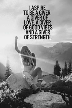 I aspire to be a giver. A giver of love, a giver of good vibes and a giver of strength. An elfish woman philosophy. Hippie Love, Hippie Man, Hippie Chick, Hippie Vibes, Hippie Words, Modern Hippie, Hippie Style, Gipsy Woman, Nature Quotes