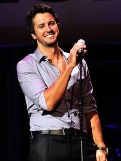 Luke Bryan Tops American Country Awards Nominees