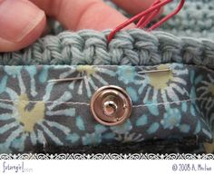 futuregirl craft blog : Tutorial: Sew A Lining Into A Crocheted Bag ❥Teresa Restegui http://www.pinterest.com/teretegui/❥