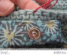 futuregirl craft blog : Tutorial: Sew A Lining Into A Crocheted Bag ❥Teresa Restegui http://www.pinterest.com/teretegui/❥
