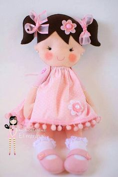Felt doll, shoes and socks Doll Crafts, Diy Doll, Sewing Crafts, Sewing Projects, Fabric Dolls, Paper Dolls, Doll Toys, Baby Dolls, Sewing Dolls