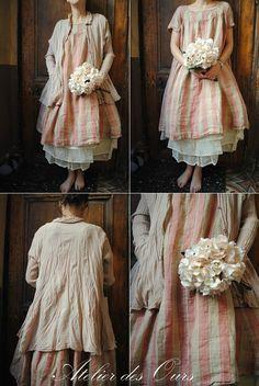 MLLE ROSALIE : Robe en lin rayé rose, jupon en organdi Les Ours, chemise rose poudré Privatsachen - Atelier des Ours.