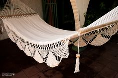 This hammock is handwoven from miles of soft cotton. The thread is double stitched to make the net harder to tangle, and much more durable. This is