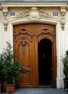 Look Up Architecture - The Arch Entrance Doors, Doorway, Front Doors, Classical Architecture, Residential Architecture, Old Doors, Windows And Doors, Door Knockers, Door Knobs