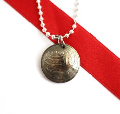 Coin Necklace Green Sea Turtle Domed 10 Cents 1999 by Hendywood