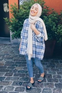 Pin by jihad jihad on wear flannels modestly Hijab fashion, Hijab outfit, How to wear Hijab Fashion Summer, Modern Hijab Fashion, Street Hijab Fashion, Hijab Fashion Inspiration, Muslim Fashion, Fall Fashion, Fashion Trends, Casual Hijab Outfit, Casual Outfits