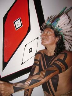 MODOVESTIR: GRAFISMO INDÍGENA - arte corporal,cerâmica,cestaria,etc Body Art Tattoos, Tribal Tattoos, Tatoos, Blackout Tattoo, Tribal Warrior, Indigenous Tribes, Tribal People, American Spirit, Native American