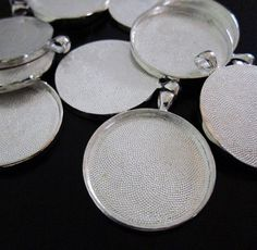 Deep Set Large Circle Setting Silver with Bail