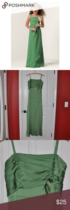 DAVID'S BRIDAL Junior Bridesmaid Clover Long Dress size 16 (girl's) style # JB2527 color: clover (green)  ruched bodice bow back zipper closure charmeuse satin  @cjrose25  *stock photo of similar dress  wedding | daddy daughter dance | junior formal | cruise formal night | princess Tiana costume David's Bridal Dresses Formal