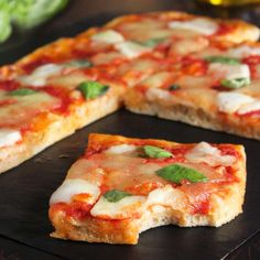 Soft Pizza Dough Recipe, Pizza Recipe Without Oven, Pizza Recipe Video, Best Pizza Dough, Tasty Chicken Videos, Best Homemade Pizza, India Food, Italian Recipes, Easy Meals