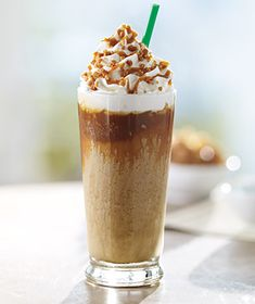 Caramel Ribbon Crunch Frappuccino from Starbucks - so good! Starbucks Drinks Without Coffee, Blended Coffee Drinks, Healthy Starbucks Drinks, Starbucks Menu, Starbucks Recipes, Starbucks Coffee, Yummy Drinks, Caramel Frappuccino, Starbucks Caramel