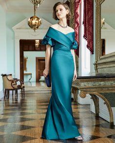 Vogue Discover Rickie Freeman for Teri Jon Off-the-Shoulder Portrait Puff-Sleeve Taffeta Evening Gown Shrug For Dresses, Mob Dresses, The Dress, Fashion Dresses, Bridesmaid Dresses, Formal Dresses, Flapper Dresses, Fall Dresses, Mother Of Bride Outfits