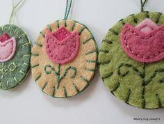 Tulip Flowers Wool Felt Ornaments Pink Tulips by WoollyBugDesigns Herb Embroidery, Wool Embroidery, Felt Gifts, Handmade Felt, Handmade Bookmarks, Crafts For Seniors, Felt Brooch, Felt Applique, Pink Tulips