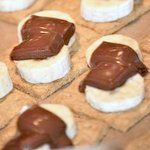 Banana s'mores: Bake marshmallow-free s'mores at home in the oven!