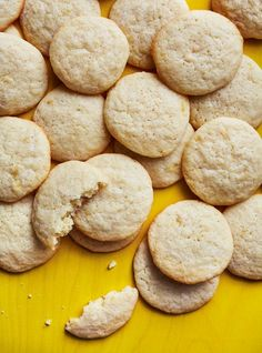 Ricardo Cuisine help you find the perfect cookie recipes. Delicious cookies recipes for you. Delicious Cookie Recipes, Gourmet Recipes, Dessert Recipes, Cooking Recipes, Desserts, Lemon Cookies, Yummy Cookies, Ricardo Recipe, Sandwiches