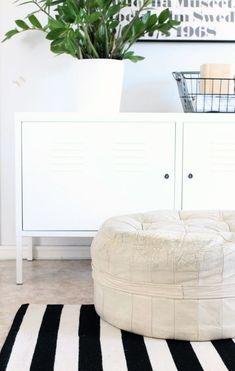 Inspiring Homes: Nurin Kurin Scandinavian Design, Scandinavian Interiors, Nordic Bedroom, Interior Inspiration, Bedroom Inspiration, Interior Ideas, White Houses, Inspired Homes, Simple House