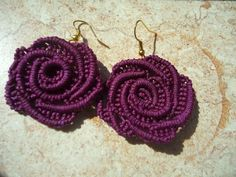 Pandahall provides craft ideas for making handmade jewelries. You can get the amazing craft idea when you buy the materials Macrame Thread, Macrame Bag, Macrame Jewelry, Fabric Jewelry, Macrame Bracelets, Micro Macramé, Diy Earrings, Crochet Earrings, Rose Earrings