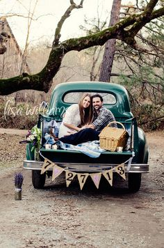 engagement session, truck, themed