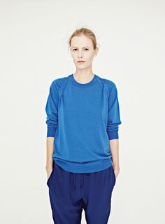 Emma Balfour looks stunning for Dion Lee. Magnificent to see older models and yay the 90s!