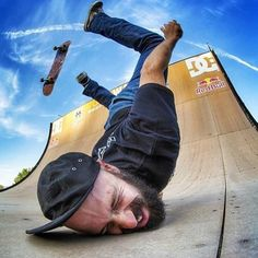 20 Perfectly Timed Photos That will make you Chuckle – BemeThat Skateboard Memes, Skateboard Pictures, Skate Photos, Anatomy Poses, Perfectly Timed Photos, Skate Art, Skate Style, Dynamic Poses, Longboarding