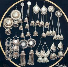Indian Jewelry Earrings, Jewelry Design Earrings, Silver Jewellery Indian, Ear Jewelry, Cute Jewelry, Silver Jewelry, Antique Jewellery Designs, Fancy Jewellery, Stud Earrings