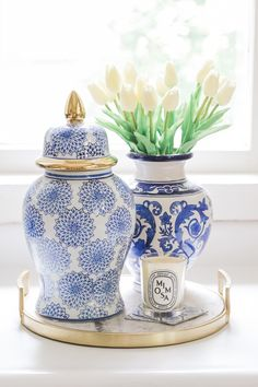 blue and white porcelain vase Blue And White Vase, White Vases, White Tulips, Blue And White Living Room, Porcelain Wood Tile, White Porcelain, Porcelain Veneers, Porcelain Skin, Porcelain Doll