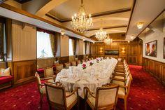 Das Business Parkhotel Graz ist Ihre Top-Adresse für stilvolle Tagungs- und Konferenzräume in der steirischen Genusshauptstadt. Modern, Conference Room, Table Decorations, Furniture, Home Decor, Banquet, Graz, Homemade Home Decor, Meeting Rooms