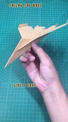 Paper Folding Crafts, Cool Paper Crafts, Paper Crafts Origami, Diy Paper, Fun Crafts, Origami Plane, Instruções Origami, How To Do Origami, Origami Toys