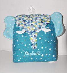 Sac a dos éléphant bleu graphique enfant personnalisé brodé pour crèche balade école sport danse maternelle : Autres bébé par lbm-creation