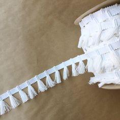 Gypsy Fringe-Bleached White(cotton), www.fringemarket.com, #fringemarket #passementerie #apparelfringe #madeinusa #trimmings #performancetrims