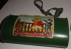 This wonderfull German Botanical/Lunch Tin is around 1900, and because of the Zeppelin, the kids are looking at, very special, therefore it takes a special offer to buy this tin, it has Museal worth