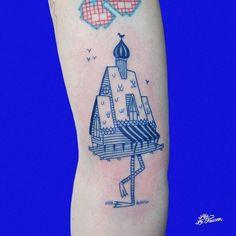 The Beautiful Blue Tattoos of Lea Le Faucoon illustrative tattoo house with legs Baby Tattoos, Time Tattoos, Body Art Tattoos, Small Tattoos, Tatoos, Blue Tattoo, Tattoo On, Piercing Tattoo, Blue Ink Tattoos