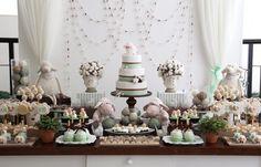 Empresa de decoração e projetos personalizados de eventos sociais adultos, casamentos e festas infantis.