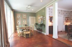 Historic Belhaven home's sunny breakfast area | Photo by Greg Campbell for Mississippi Magazine